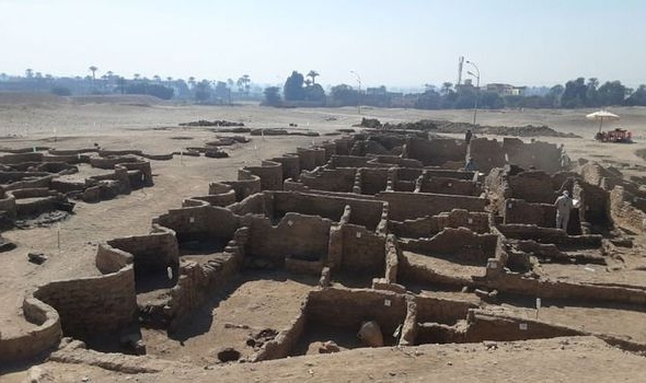 excavators-reveal-3-000-year-old-city-which-looks-left-as-if-it-were-yesterday-kidhours